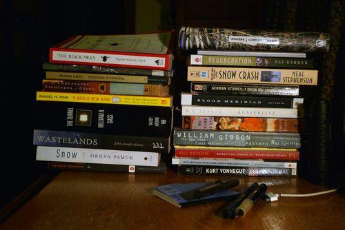 Shelves_o_books_233bLO