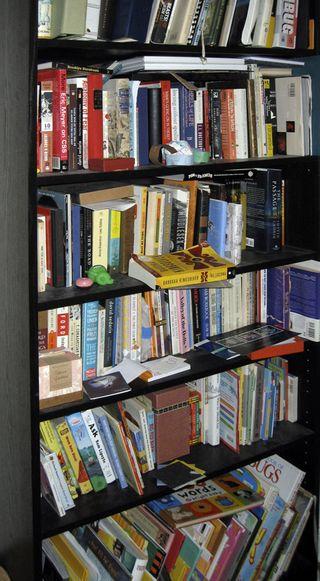 Bookshelflo